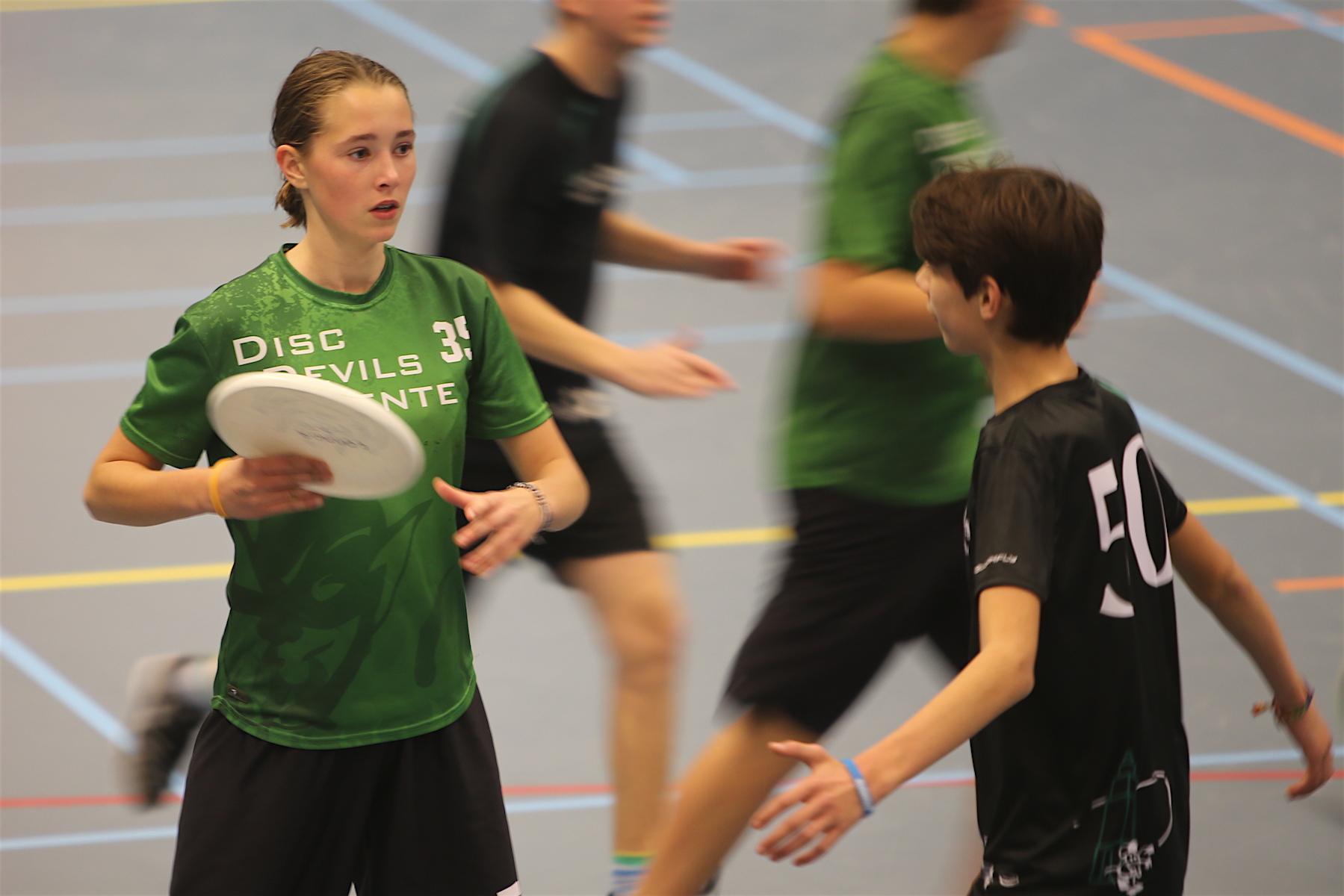 Ultimate Frisbee Disc Devils Twente Enschede U17 indoorcompetitie Assen 2017